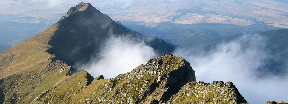 Netedu peak from Vanatoarea lui Buteanu, Fagaras Mountains (Transylvanian Alps), Romania