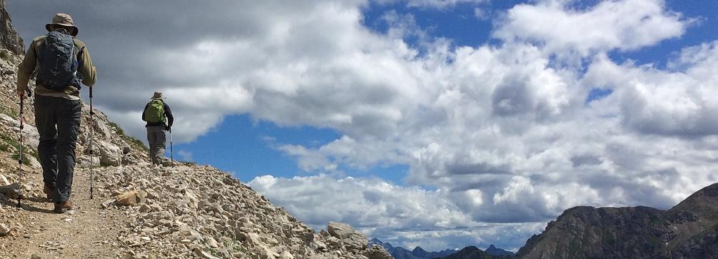 Hikers on the Hirzelweg, Rosengarten Group, Dolomites of Italy